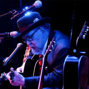 Dakota Dave Hull in concert